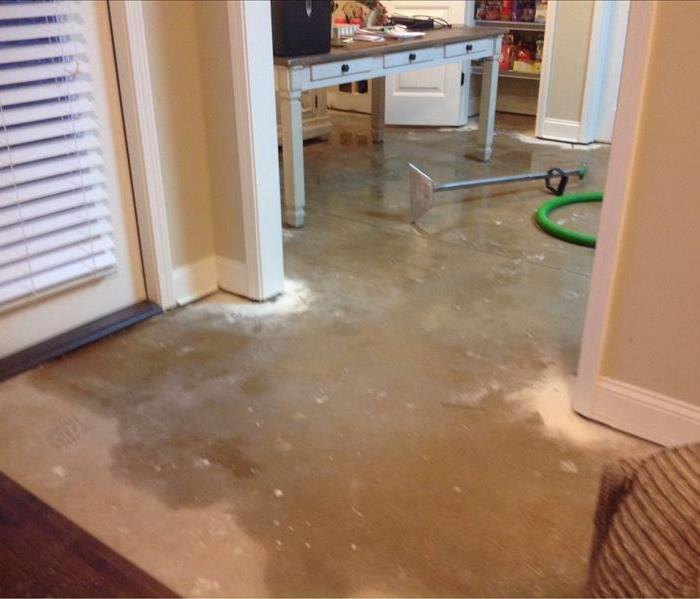 Water Damage When a Broken Pipe Makes You Feel Like You Are 'Sittin' on the Dock of the Bay' in Your Lilburn Home